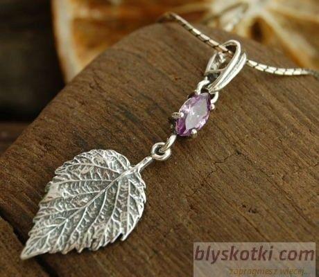 Listek - srebrny wisiorek z ametystem