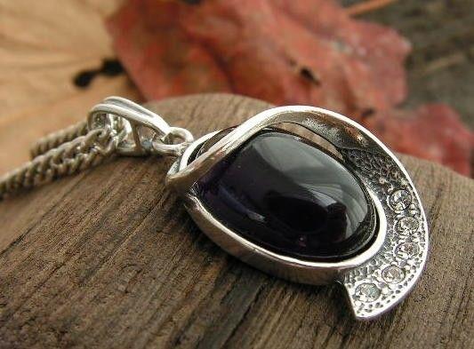 Penelopa - srebrny wisiorek z ametystem i kryształkami