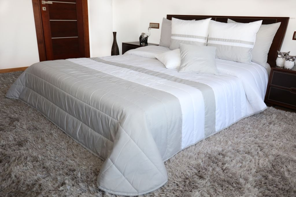 Narzuta na łóżko Mariall NM45-D