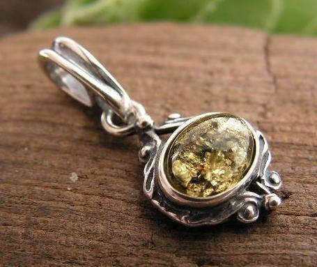 Lunga - srebrny wisiorek z bursztynem
