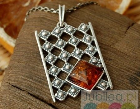 Royal - srebrny wisior z bursztunem