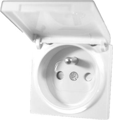 Plakietka gniazdo z uziemieniem z klapką z przesłonami styków - Karre Biały
