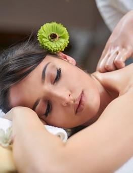 Masaż aromaterapeutyczny  Laski