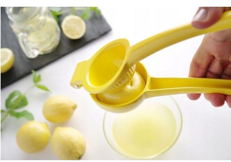 Wyciskarka do cytryn - żółta