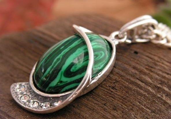 Vadio - srebrny wisiorek z malachitem i kryształkami