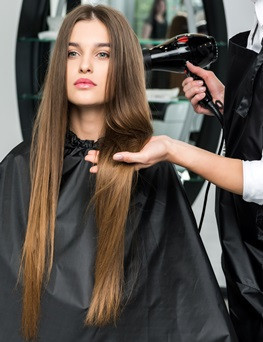 Voucher na zabiegi fryzjerskie  Podkowa Leśna