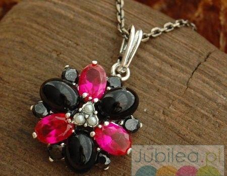 Delfia - srebrny wisior rubiny, perły i onyksy