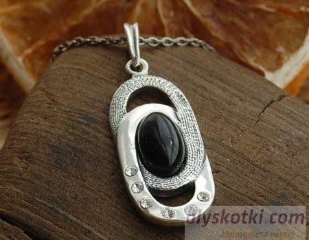 Allessi - srebrny wisiorek z onyksem i kryształkami
