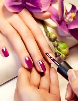 Manicure hybrydowy  Płock
