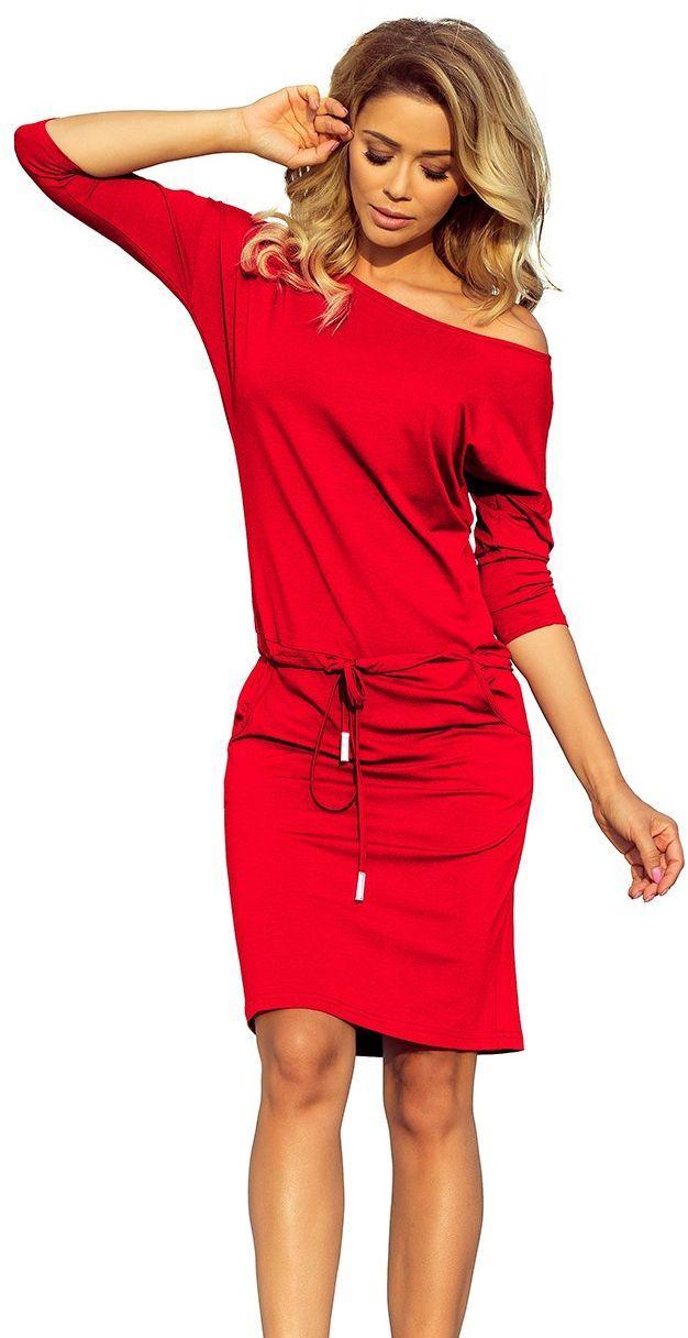 Czerwona sukienka sportowa ściągana w pasie