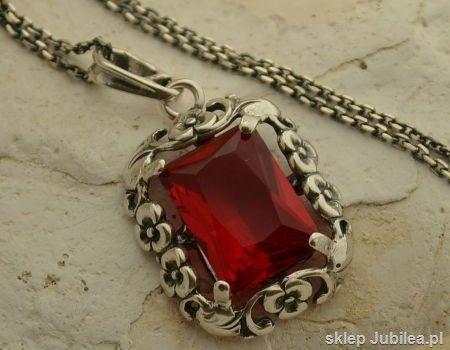 Manuela - srebrny wisior z rubinem