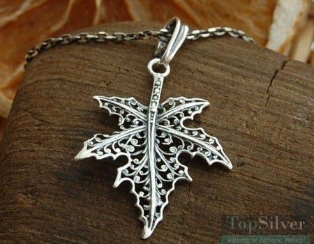 Ażurowy liść klonu - srebrny wisiorek
