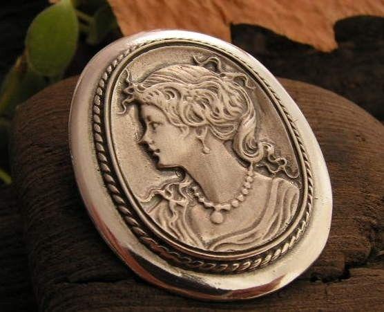 Kamea - srebrny wisiorek srebro
