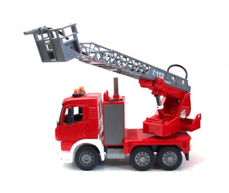 Wóz strażacki strzelający wodą 1:20