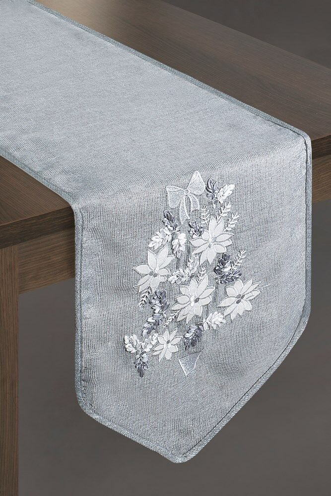 Obrus świąteczny 33x180 Caryl2 popielaty srebrny kwiaty Eurofirany