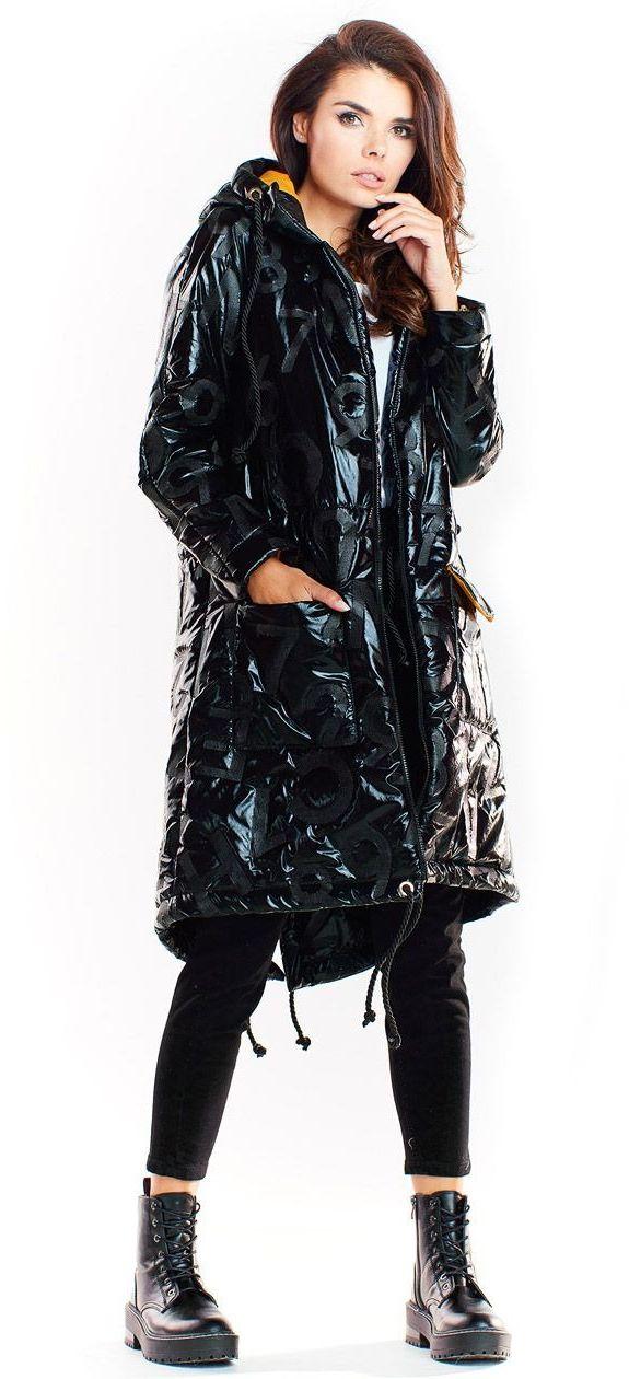 Czarna pikowana kurtka typu parka z połyskiem