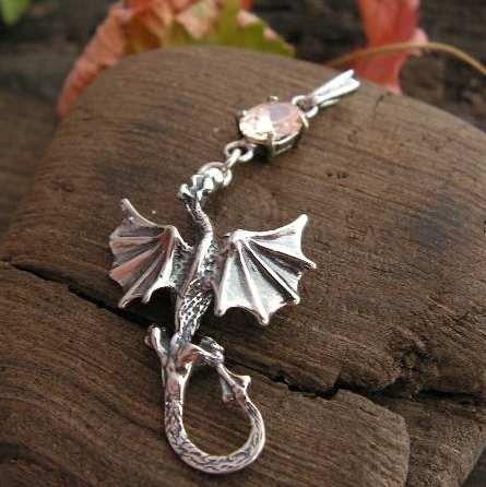 Dragon - srebrny wisiorek smok z topazem złocistym