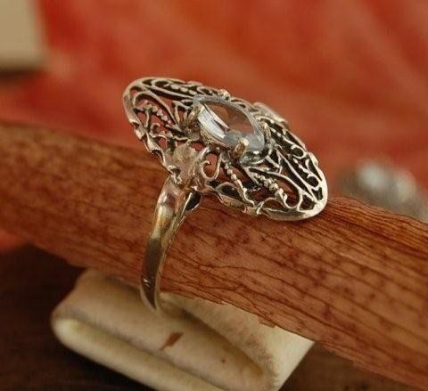 Ripoli - srebrny pierścionek z naturalnym akwamarynem