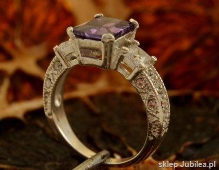 Alexis - srebrny pierścień z ametystem