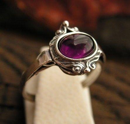 Neva - srebrny pierścionek z ametystem