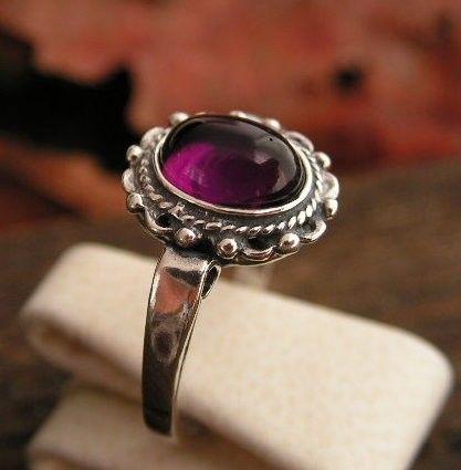 Emesta - srebrny pierścionek z ametystem
