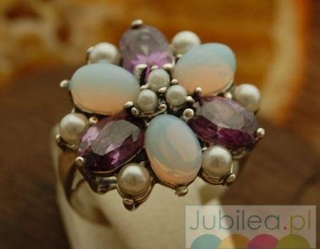 Pawie oko - srebrny pierścień perły ametysty opale