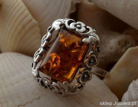 Arancza - srebrny pierścień z bursztynem
