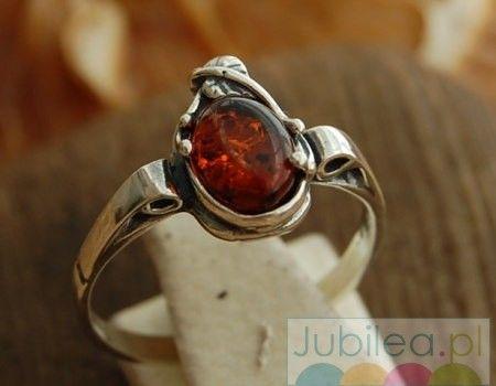 Llibre - srebrny pierścionek z bursztynem