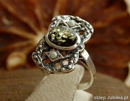 Lorena - srebrny pierścionek z bursztynem i perłam