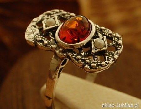 Iris - srebrny pierścionek z bursztynem i perłami