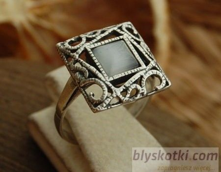 Azurra - srebrny pierścionek z kocim okiem