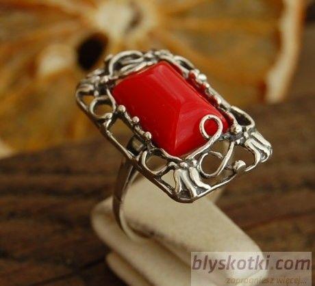 Irina - srebrny pierścionek z koralem