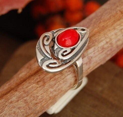 Arrno - srebrny pierścionek z koralem