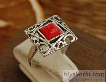 Broto - srebrny pierścionek z koralem