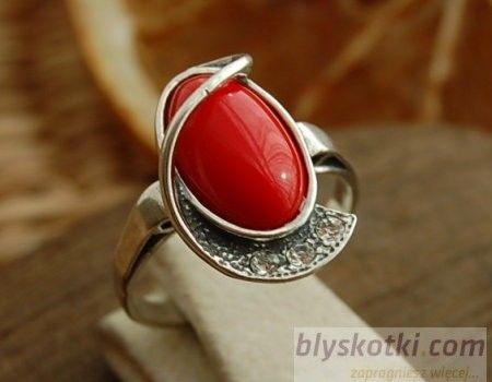 Murano - srebrny pierścionek z koralem i kryształkami