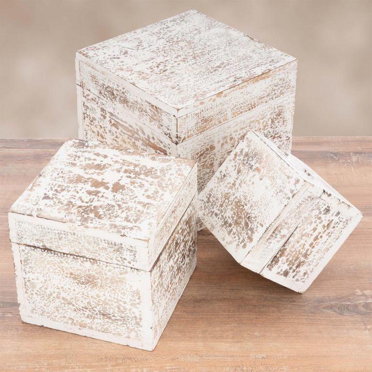 Zestaw drewnianych pudełek vintage, biały