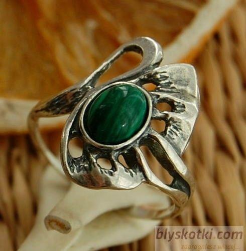 Gronia - srebrny pierścionek z malachitem