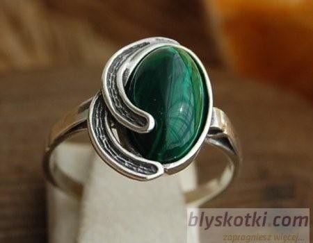 Osuna - srebrny pierścionek z malachitem