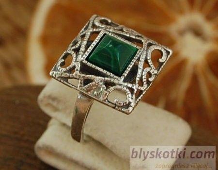 Simple - srebrny pierścionek z malachitem