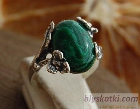Scavia - srebrny pierścionek z malachitem