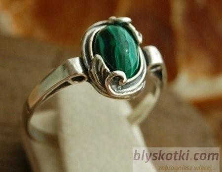Vita - srebrny pierścionek z malachitem