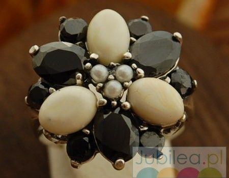Amata - srebrny pierścień onyksy, perły i bursztyny