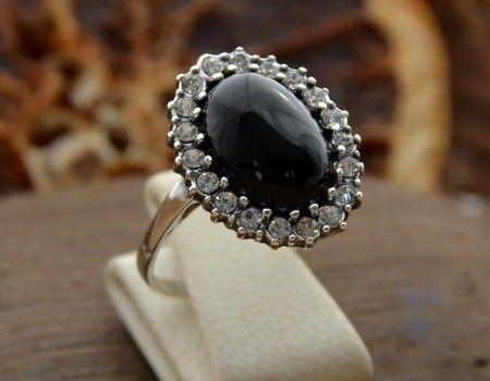 Helio - srebrny pierścionek z onyksem i cyrkoniami