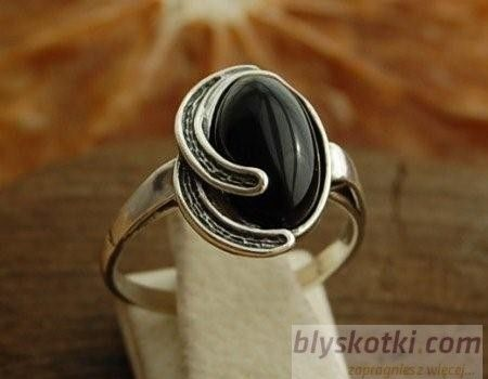 Silos - srebrny pierścionek z onyksem