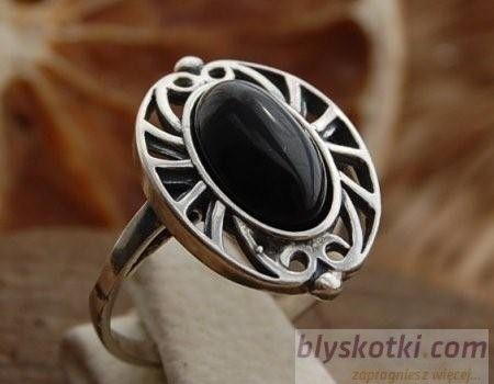Akaba - srebrny pierścionek z onyksem