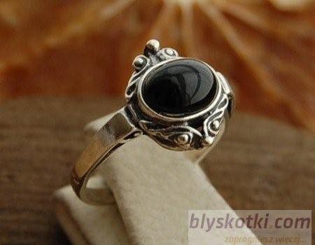 Grevi - srebrny pierścionek z onyksem