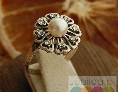 Empire - srebrny pierścionek z perłą i kryształkami svarovskiego