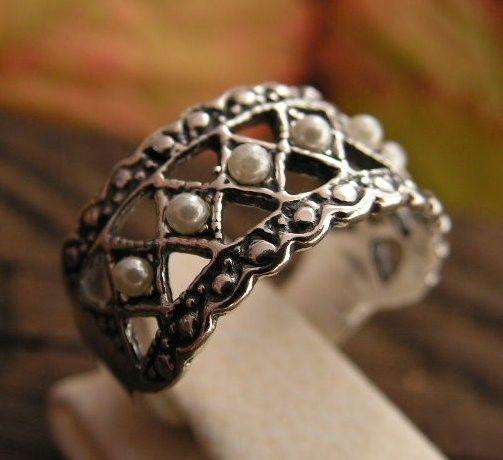 Pina - srebrny pierścionek z perłami