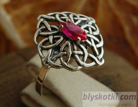 Galia - srebrny pierścionek z rubinem