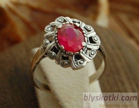 Bernat - srebrny pierścionek z rubinem
